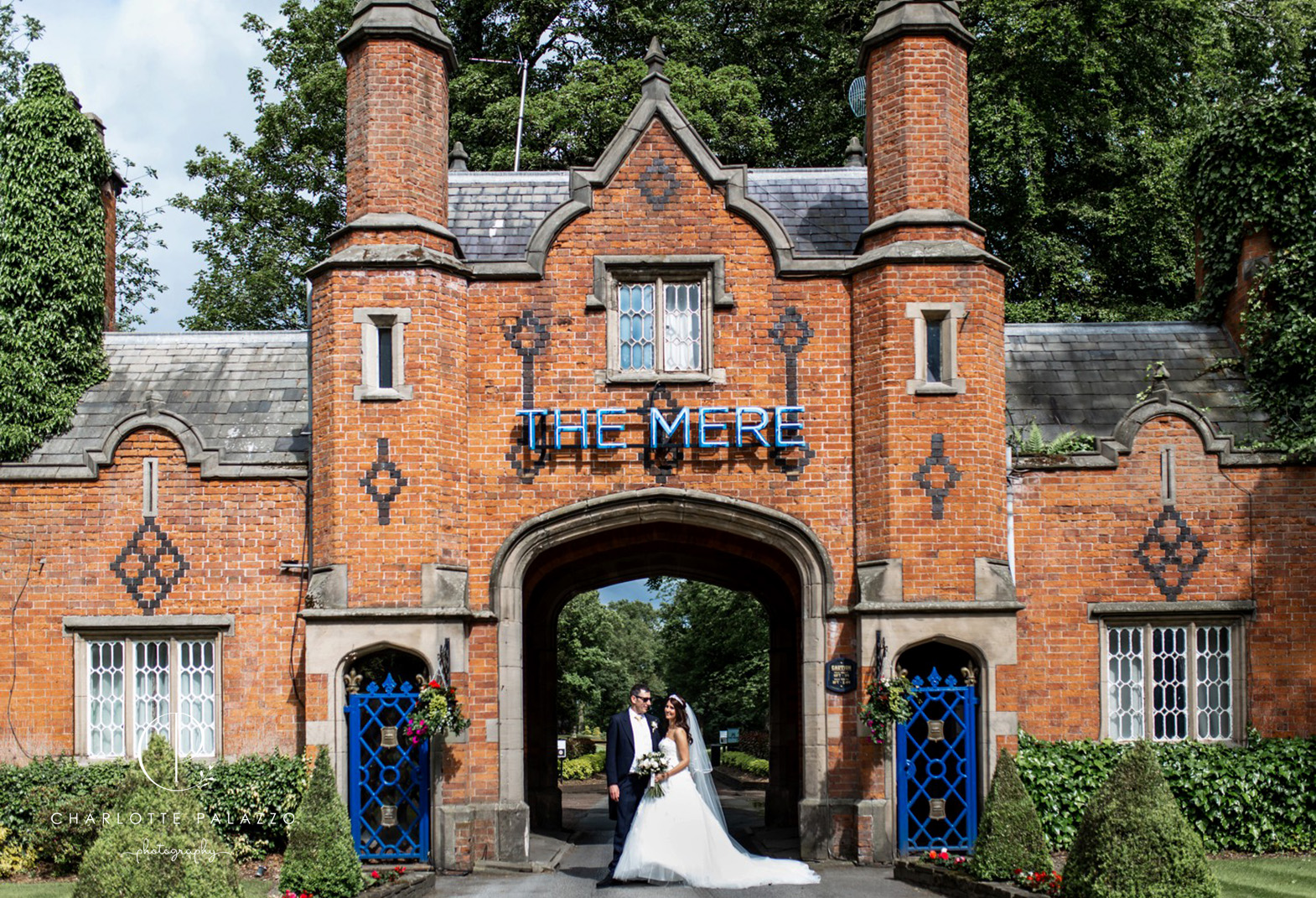 Fine_art_wedding_Photography_Cheshire_Wedding_Venues_The_Mere_Resort_0030_1.jpg