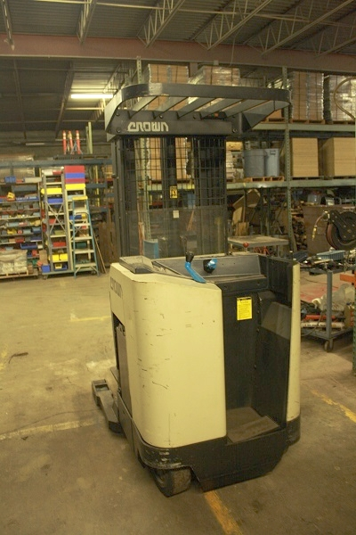 Crown Reach Truck | 3000 lb | 24 Volt with Charger | 42 in Forks | 189 in Lift | 95% Tires | Repacked Lift and Reach Cylinders | $6950