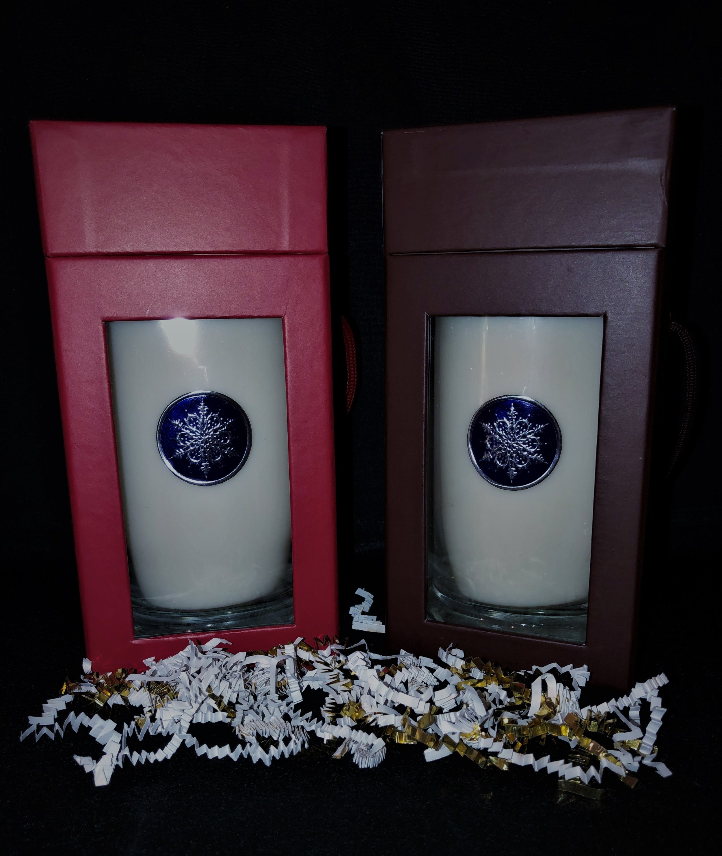 Our 21 oz, 120 hour burning candle is an exceptional gift in this beautiful box. Candle can be natural or dyed with your choice of fragrance per 6 candles. Boxes come in Red or Espresso. Price each is $27.00.