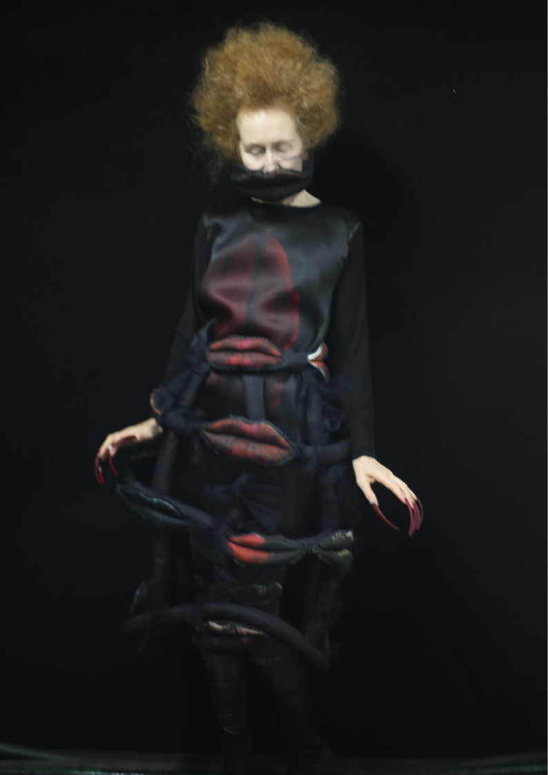 IA LONDON AW19_THE LAST OUTFIT_006.png