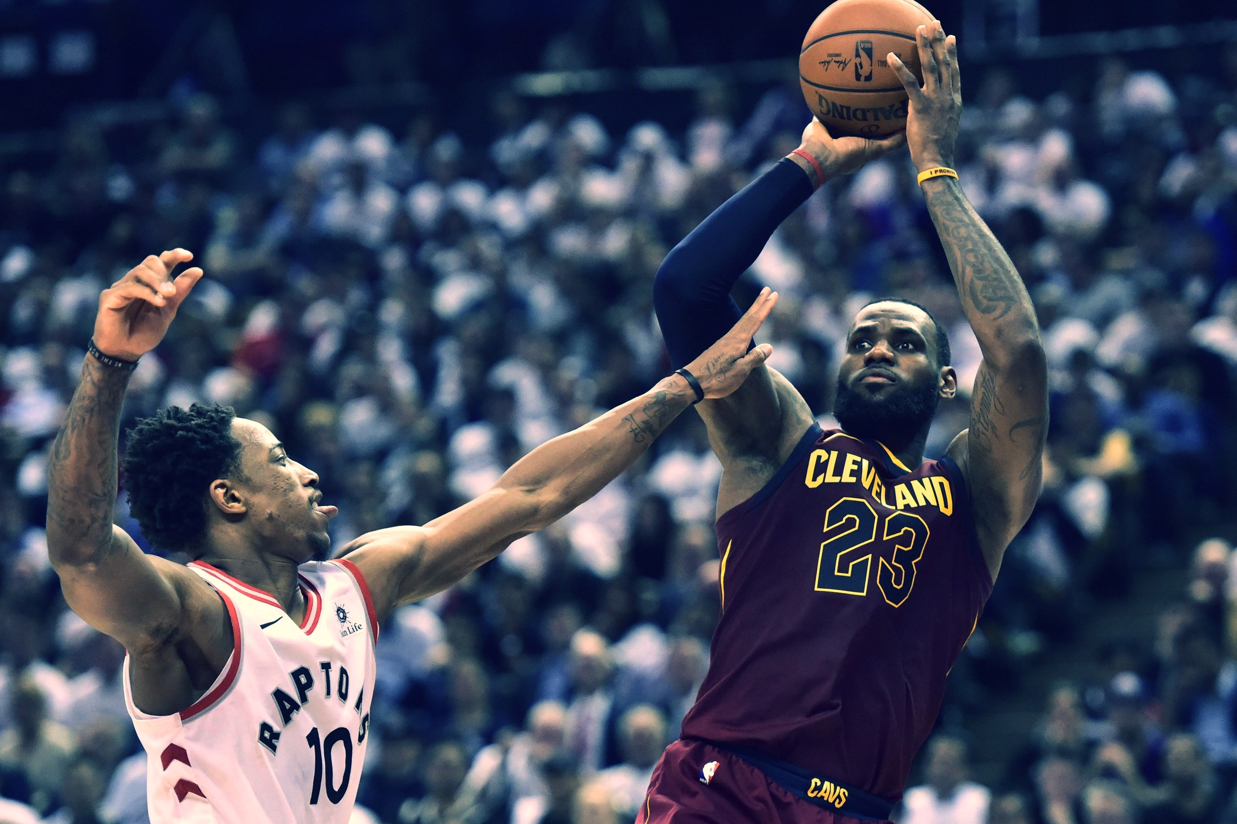 LEBRON JAMES PUT ON ANOTHER 40+ POINT PERFORMANCE IN THEIR 128-110 VICTORY OVER THE TORONTO RAPTORS IN GAME 2.  Photo via 680 News.