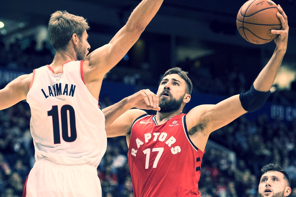 JONAS VALANCIUNAS FINISHED THE RAPTORS FIRST PRESEASON GAME WITH 17 POINTS AND 7 REBOUNDS. (Photo via The Canadian Press).