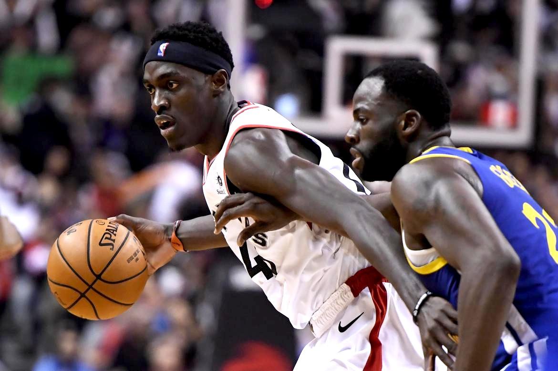 Pascal Siakam showed no fear going up against GSW Draymond Green in the 2018/2019 NBA Finals. (Frank Gunn/AP)
