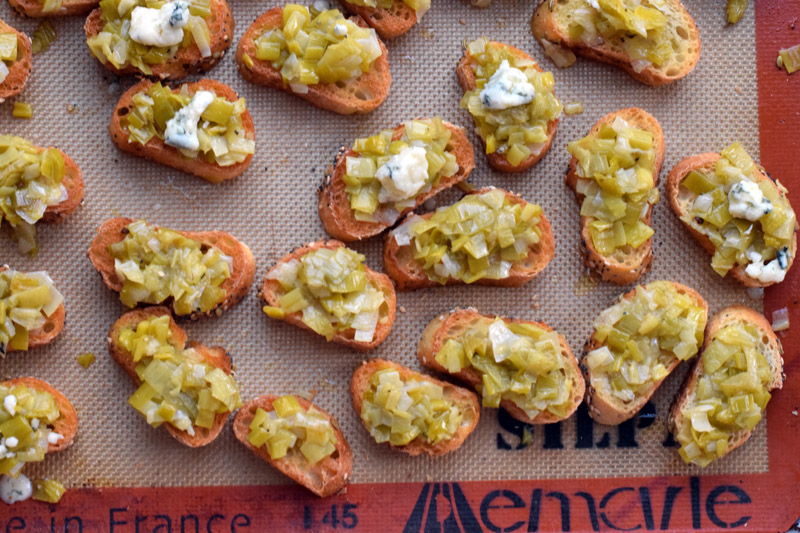 leek toasts with goat cheese.jpg