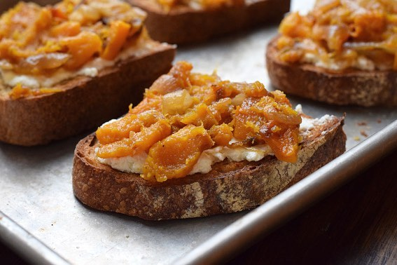 A sweet and sour butternut mash with caramelized onions and a cloud of ricotta all stacked on a piece of your favorite bread, toasted. And the best part? It's even better than the bourgie toast they're charging your first born for down the street.📠 Squash Ricotta Toasts on #UmamiForDaysBlog (get the link up top where we keep 'em)
