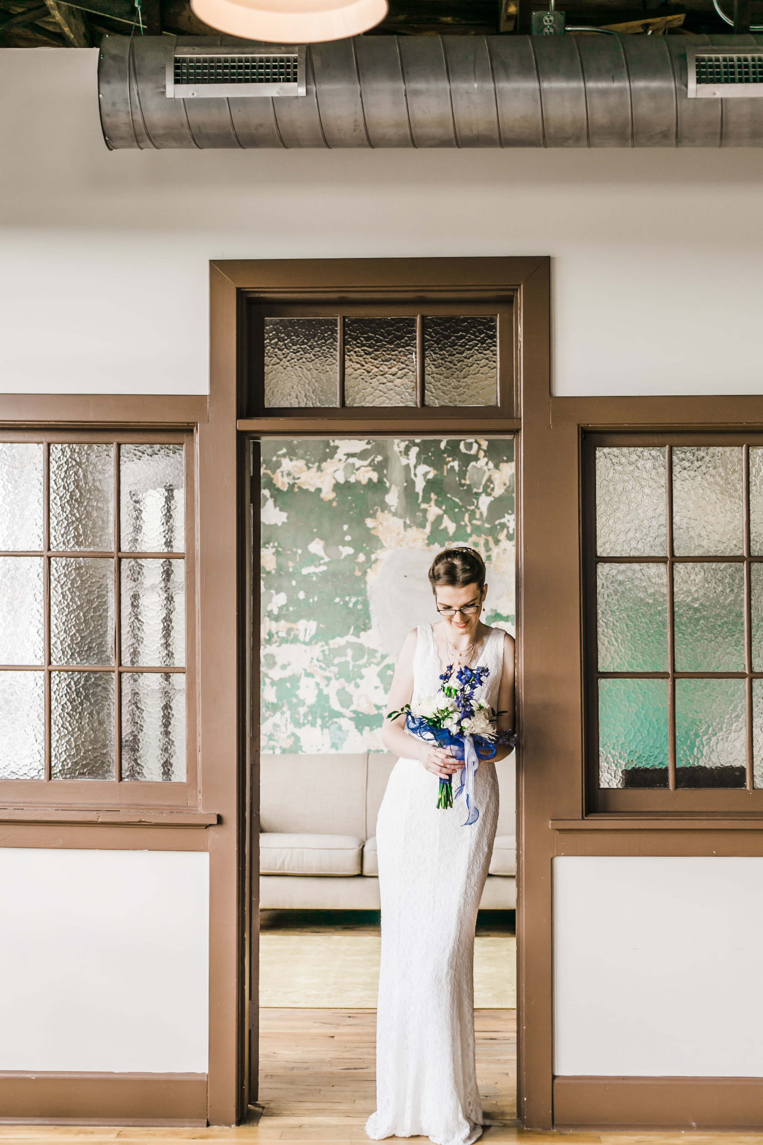 the standard knoxville wedding photographer bride