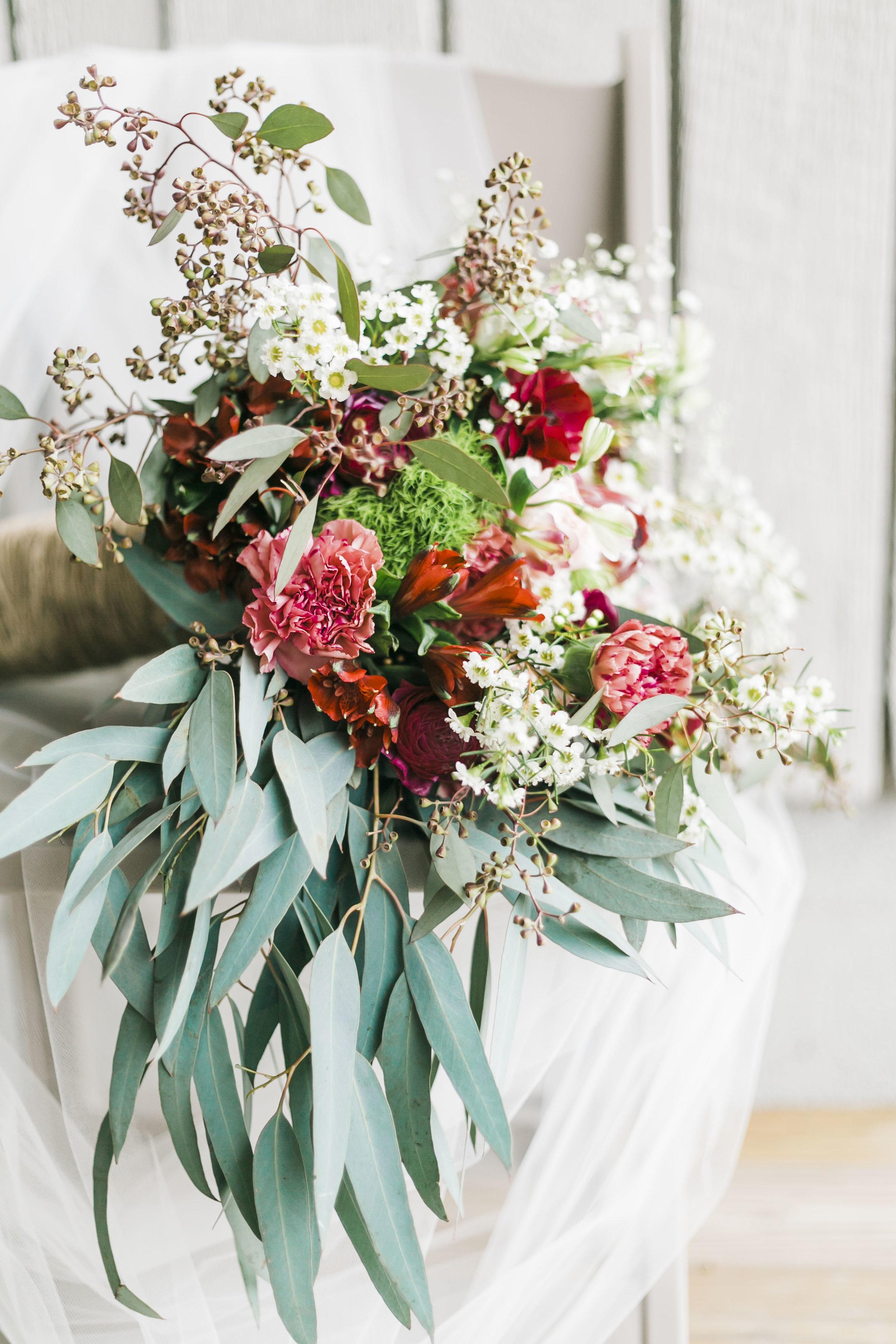 Kukka Flowers Knoxville Spring Wedding Heartland Meadows