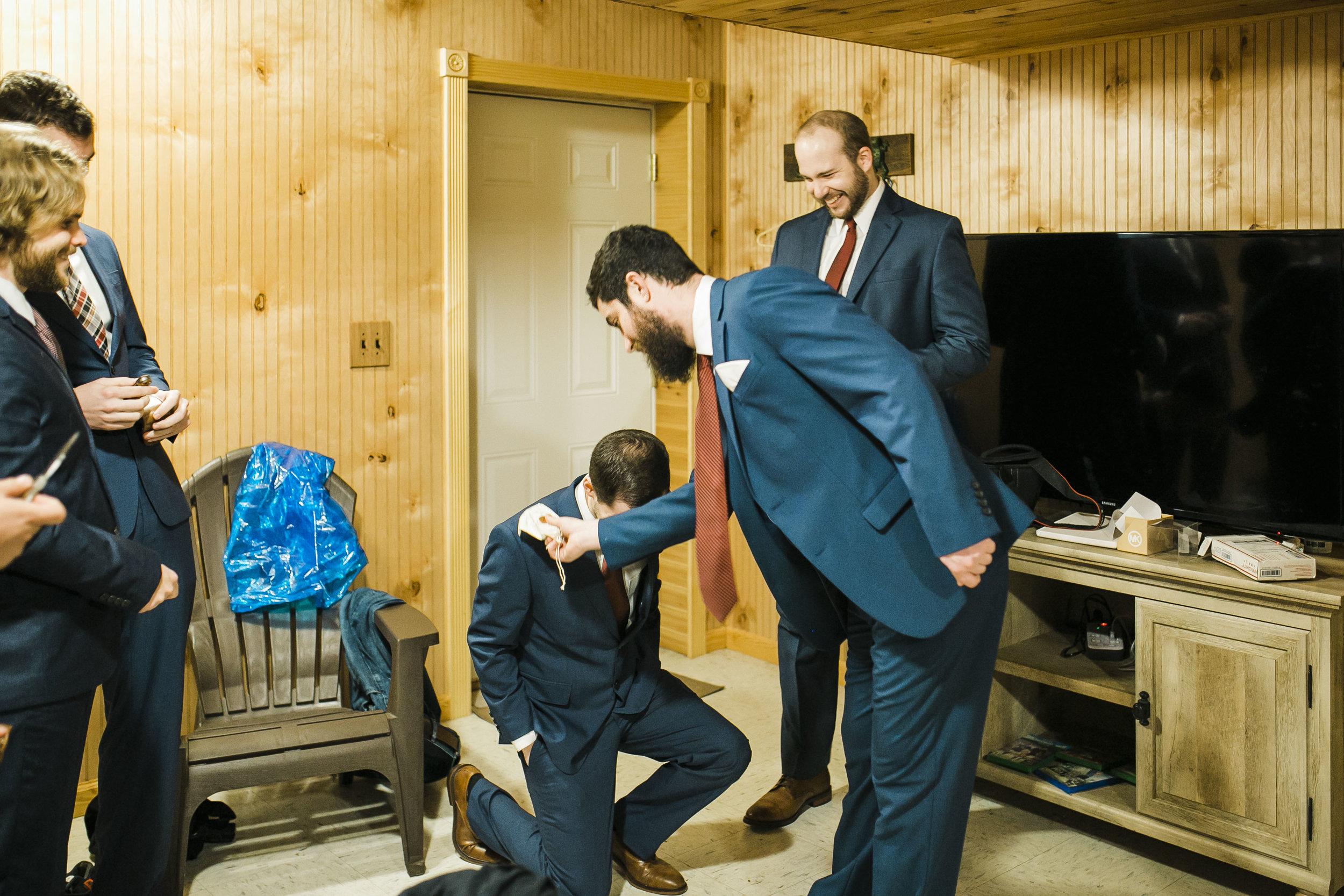 Heartland Meadows Groom Suite Winx Photo