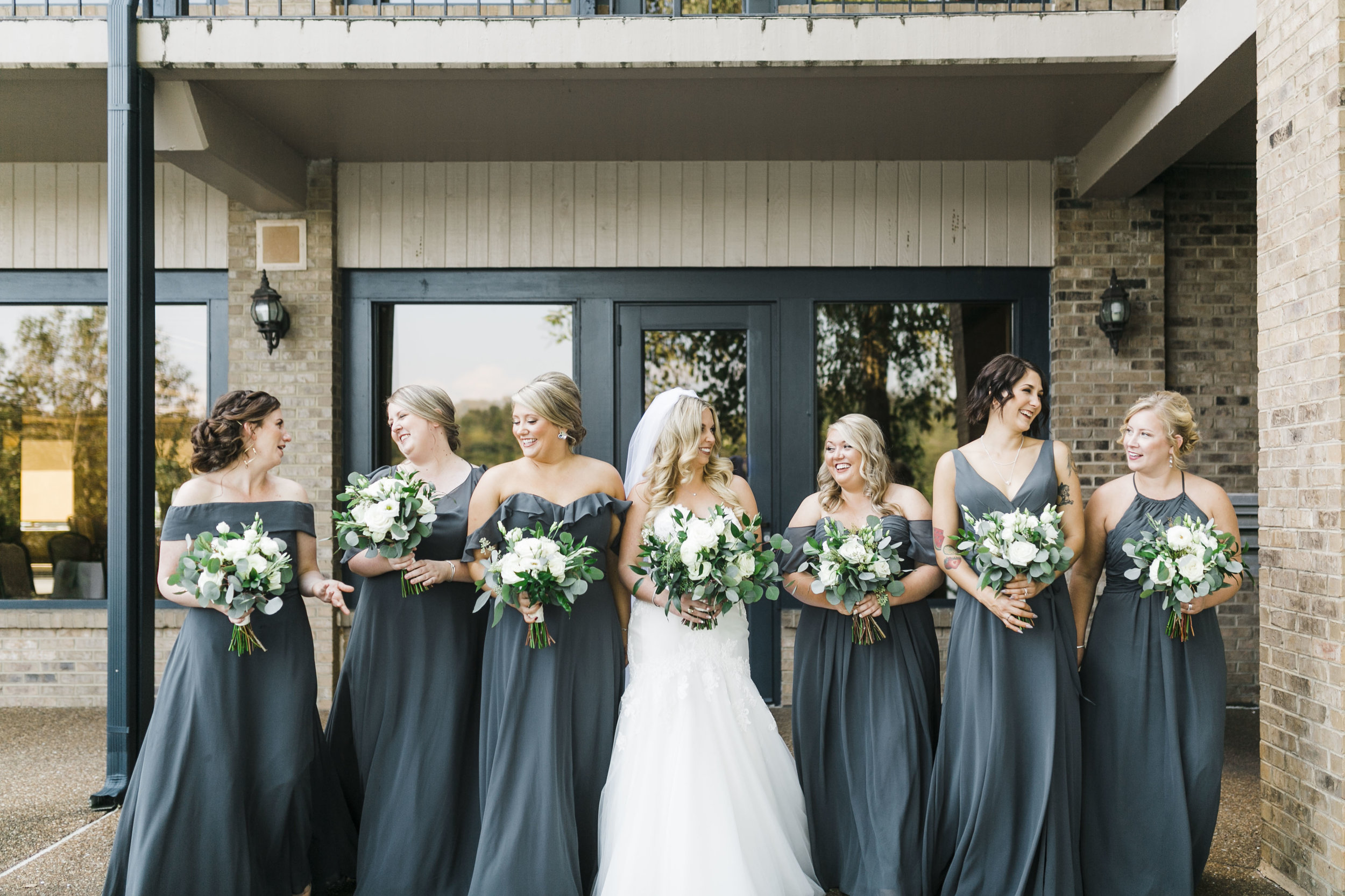 yacht club knoxville wedding