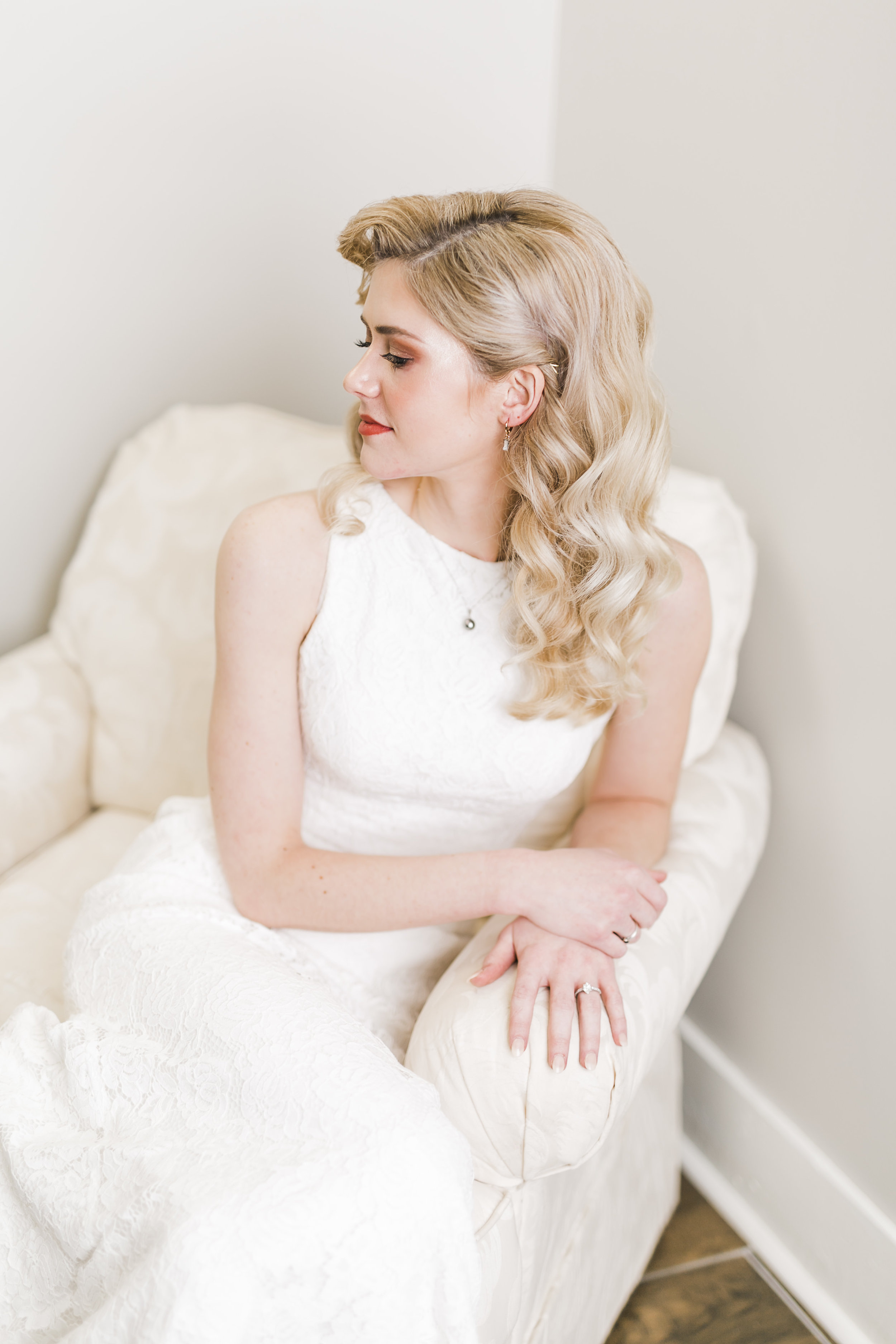 classic vintage bride at Houston hills country club