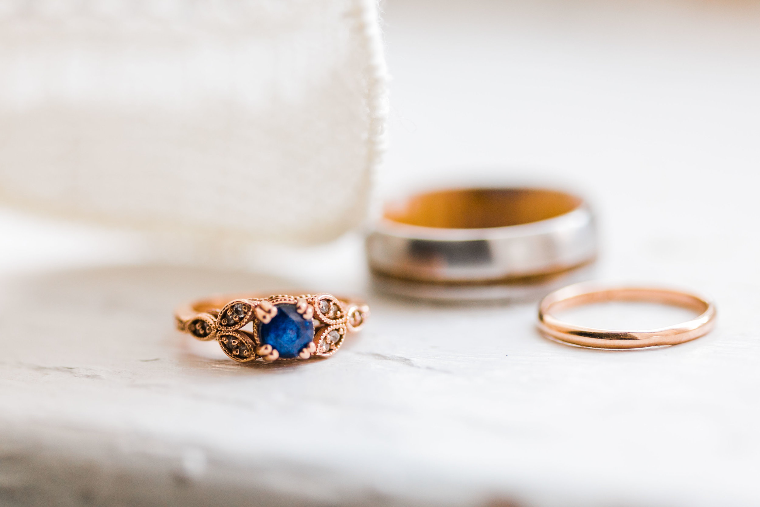 sapphire and rose gold wedding rings