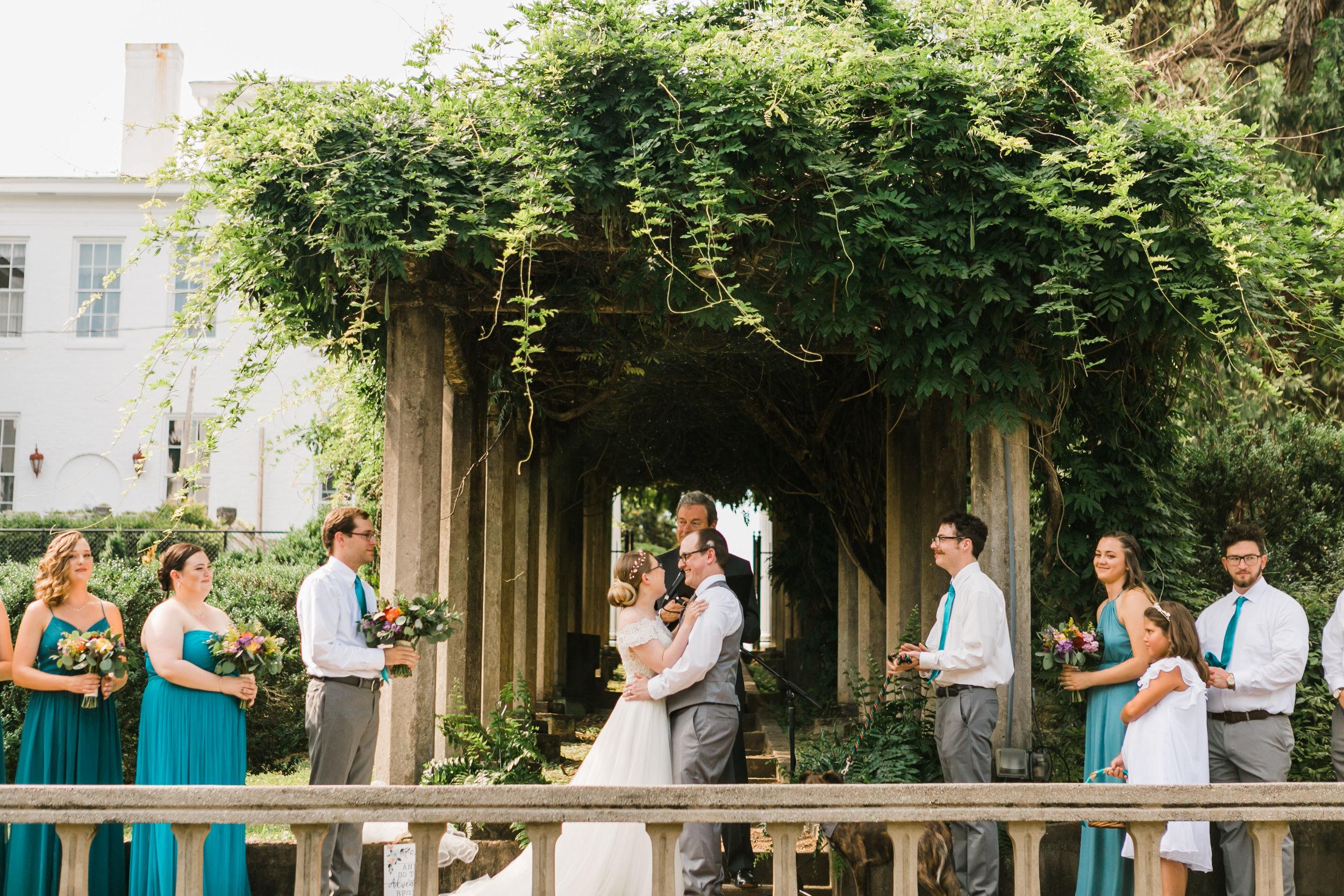 historic bleak house knoxville wedding summer