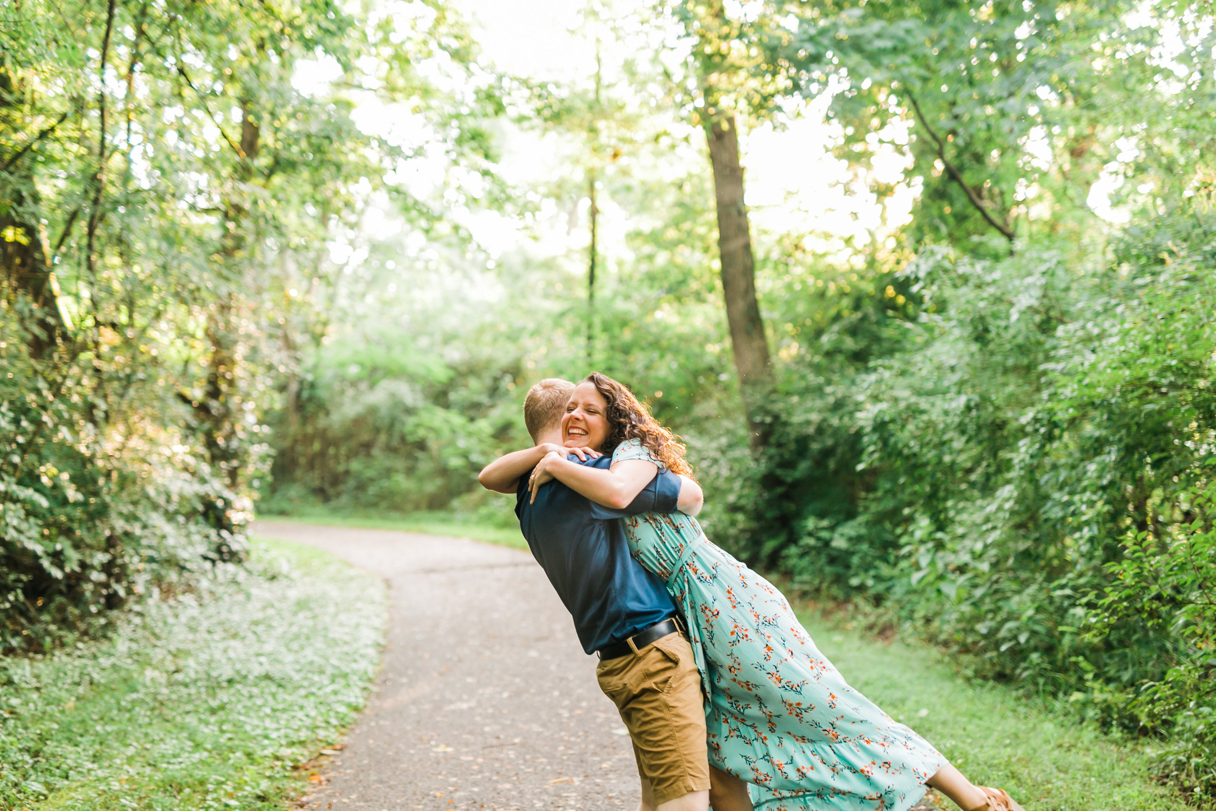 fun engagement photos ijams knoxville