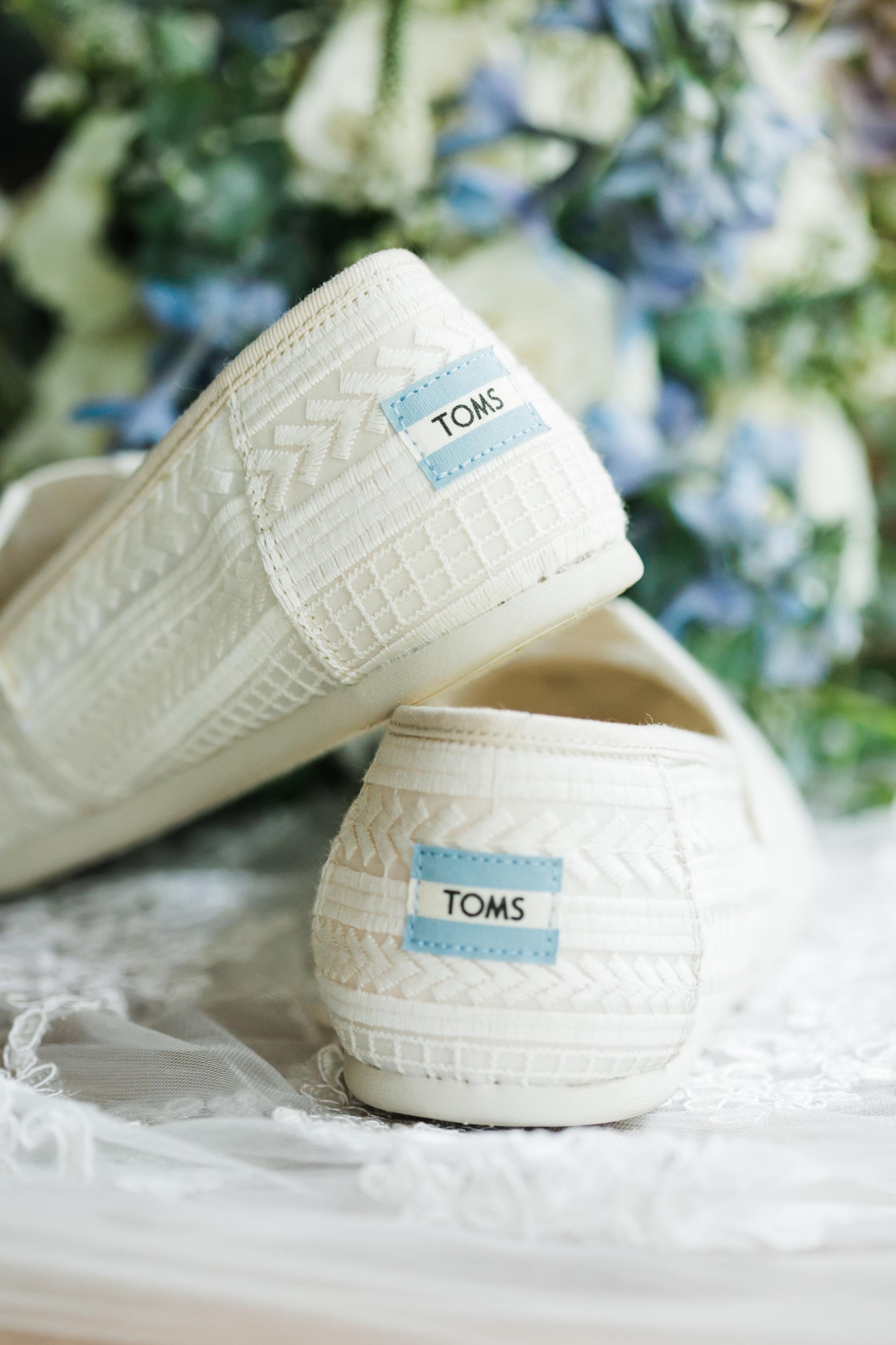 toms wedding shoes lace