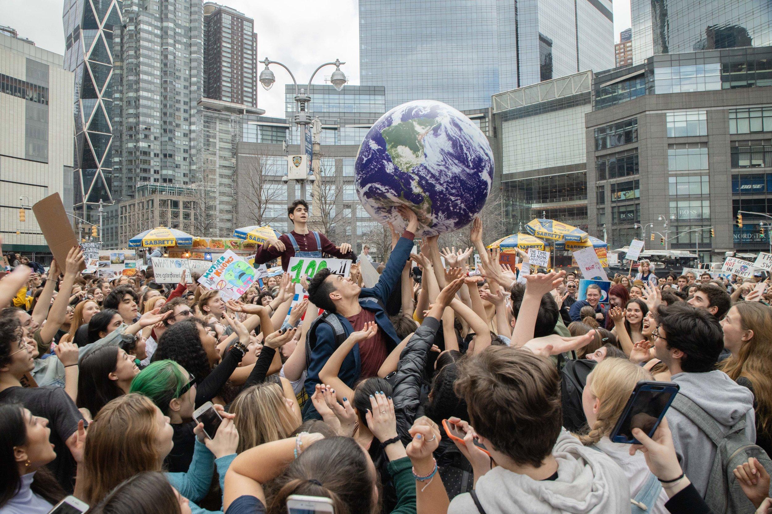 3.15.19_YouthClimateStrike_NYC_ColumbusCircle-46.jpg