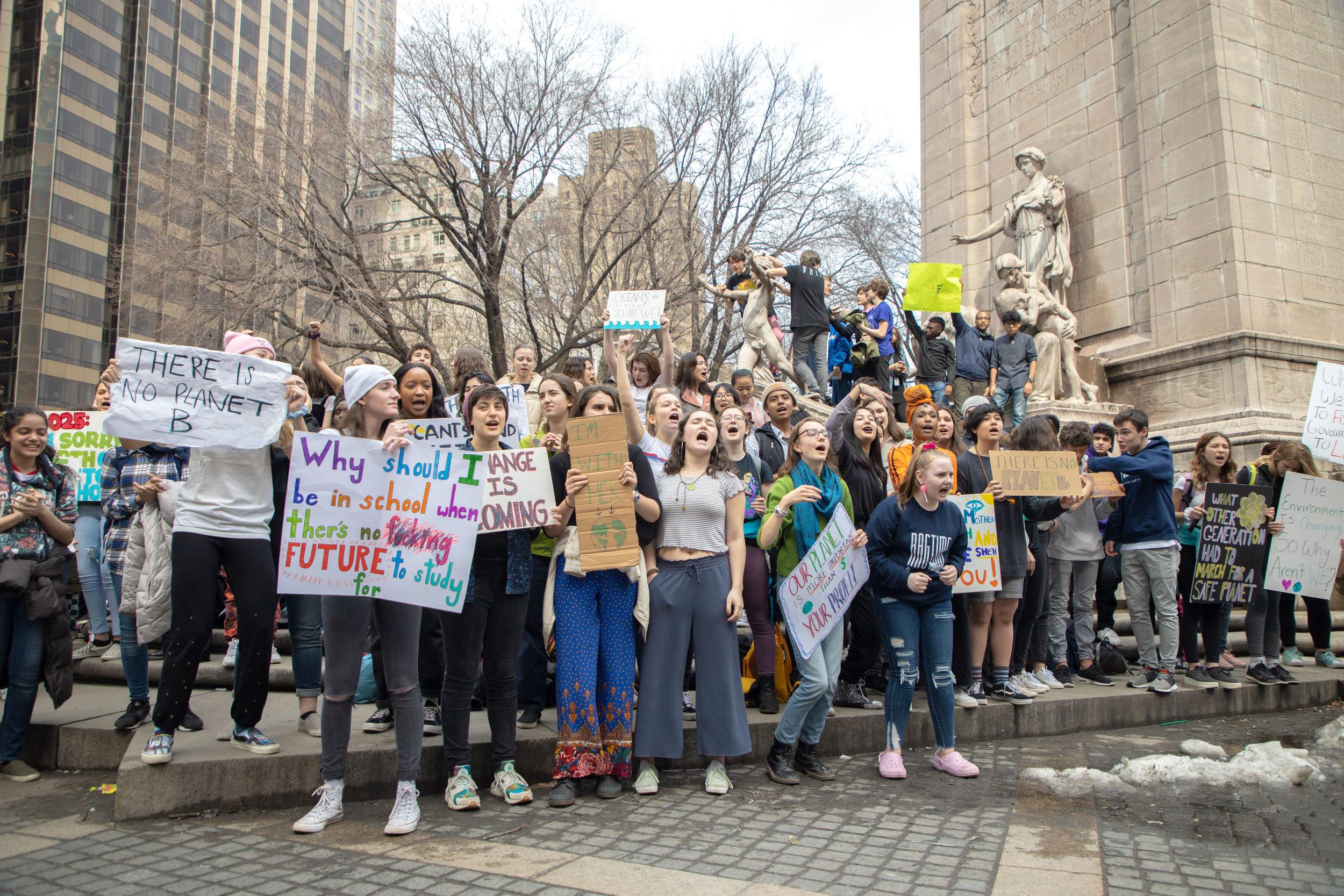 3.15.19_YouthClimateStrike_NYC_ColumbusCircle-4.jpg
