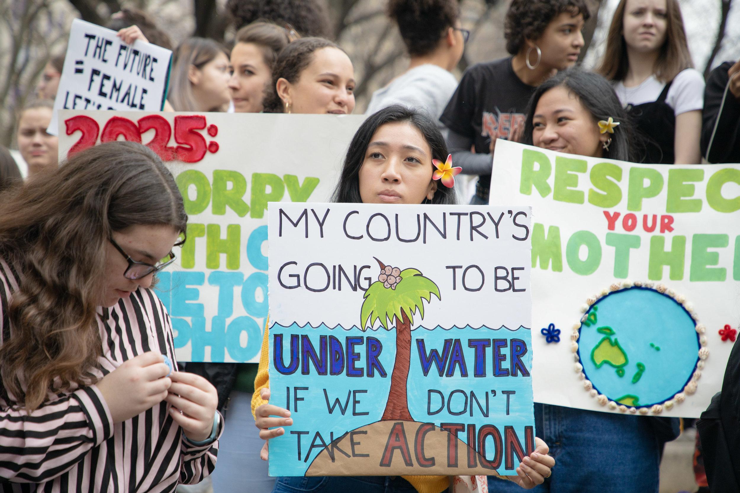 3.15.19_YouthClimateStrike_NYC_ColumbusCircle-13.jpg