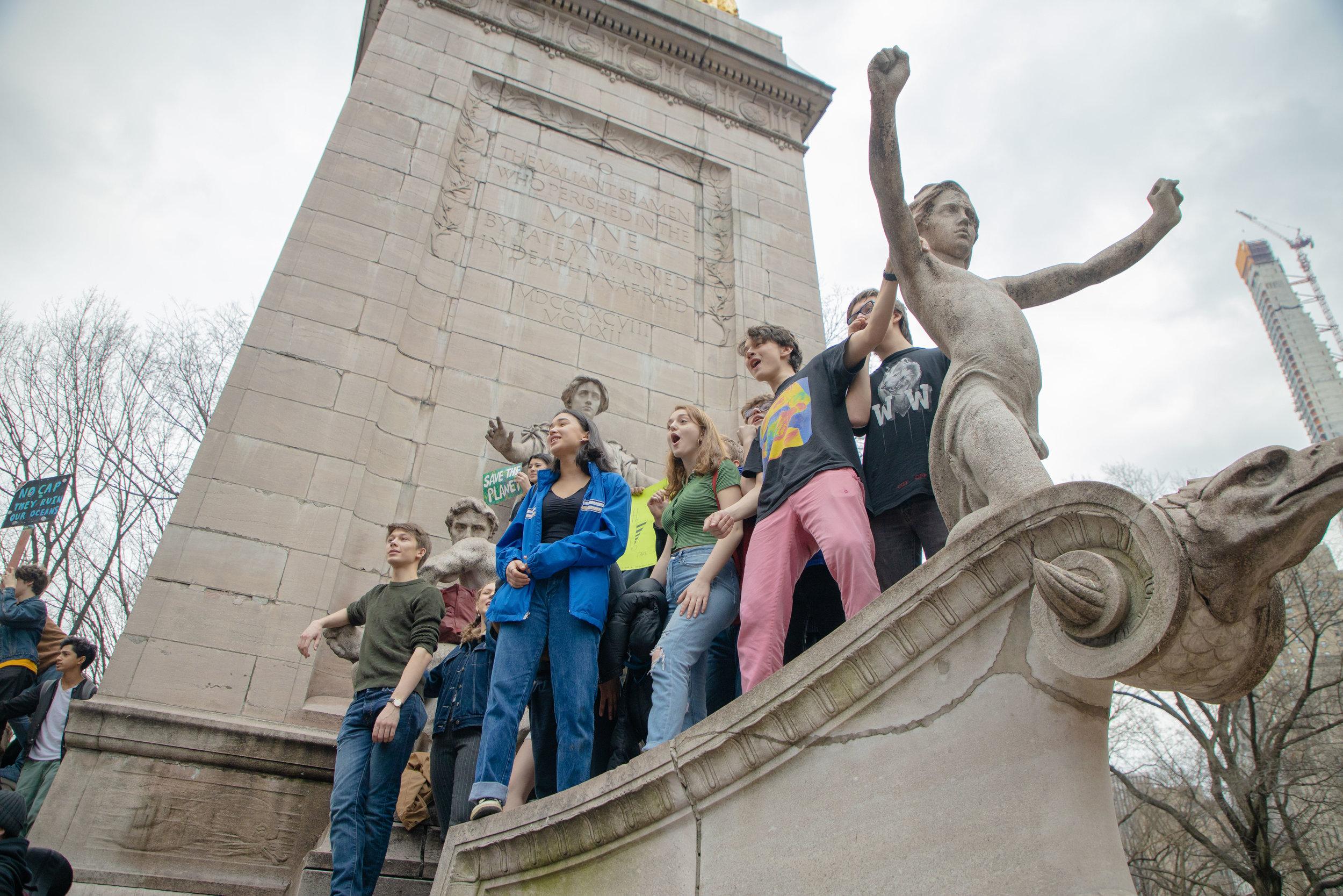 3.15.19_YouthClimateStrike_NYC_ColumbusCircle-14.jpg