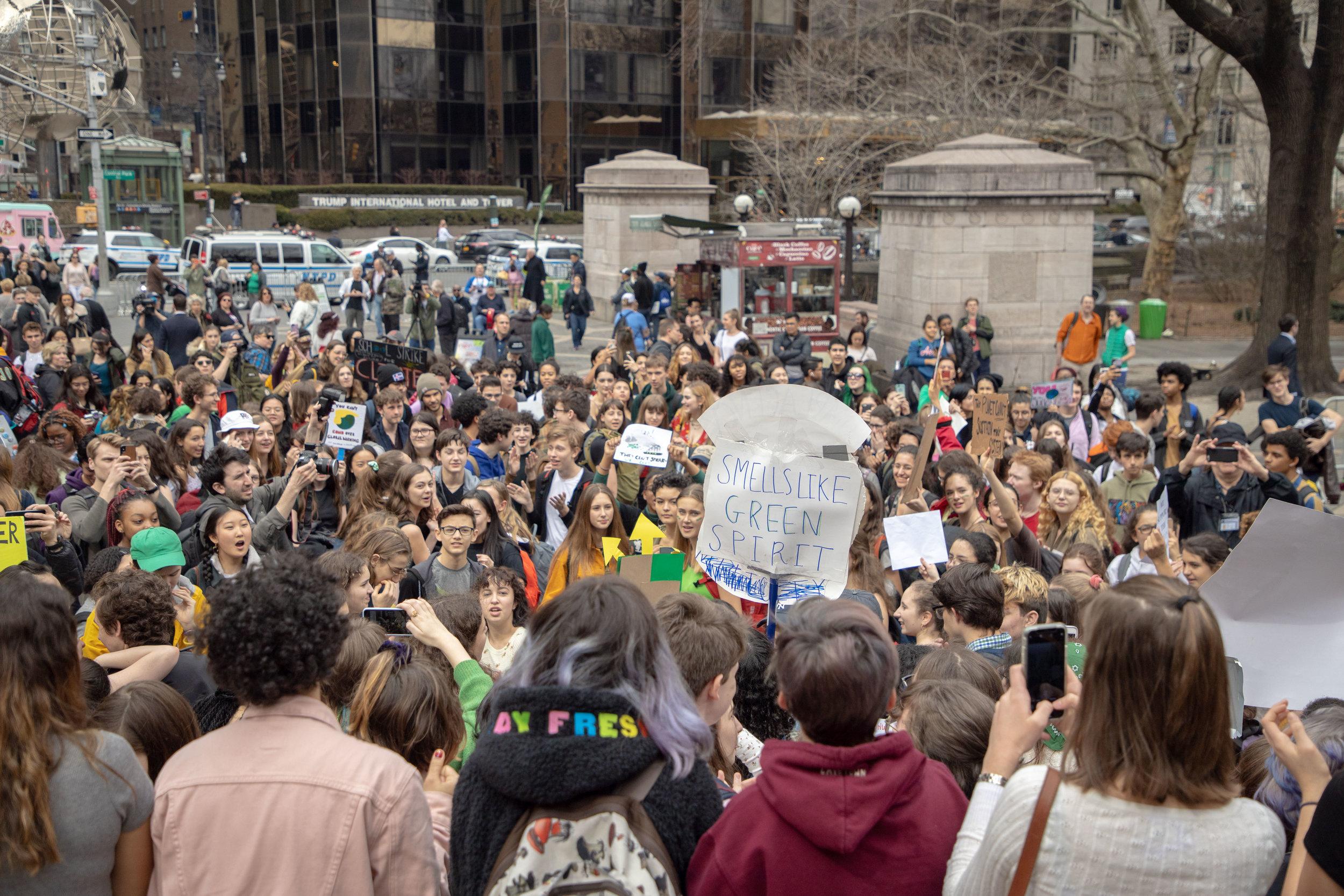 3.15.19_YouthClimateStrike_NYC_ColumbusCircle-15.jpg