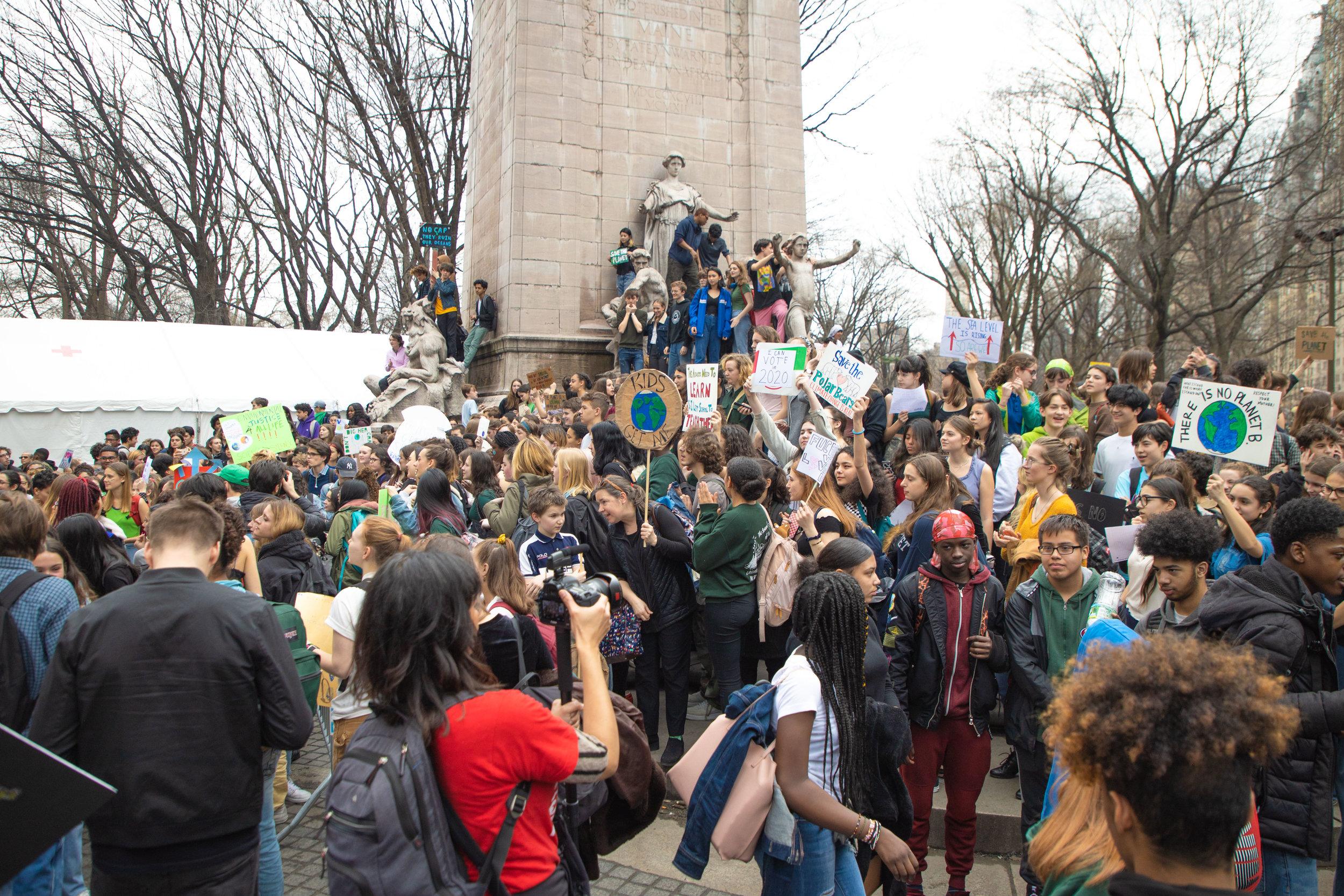 3.15.19_YouthClimateStrike_NYC_ColumbusCircle-22.jpg