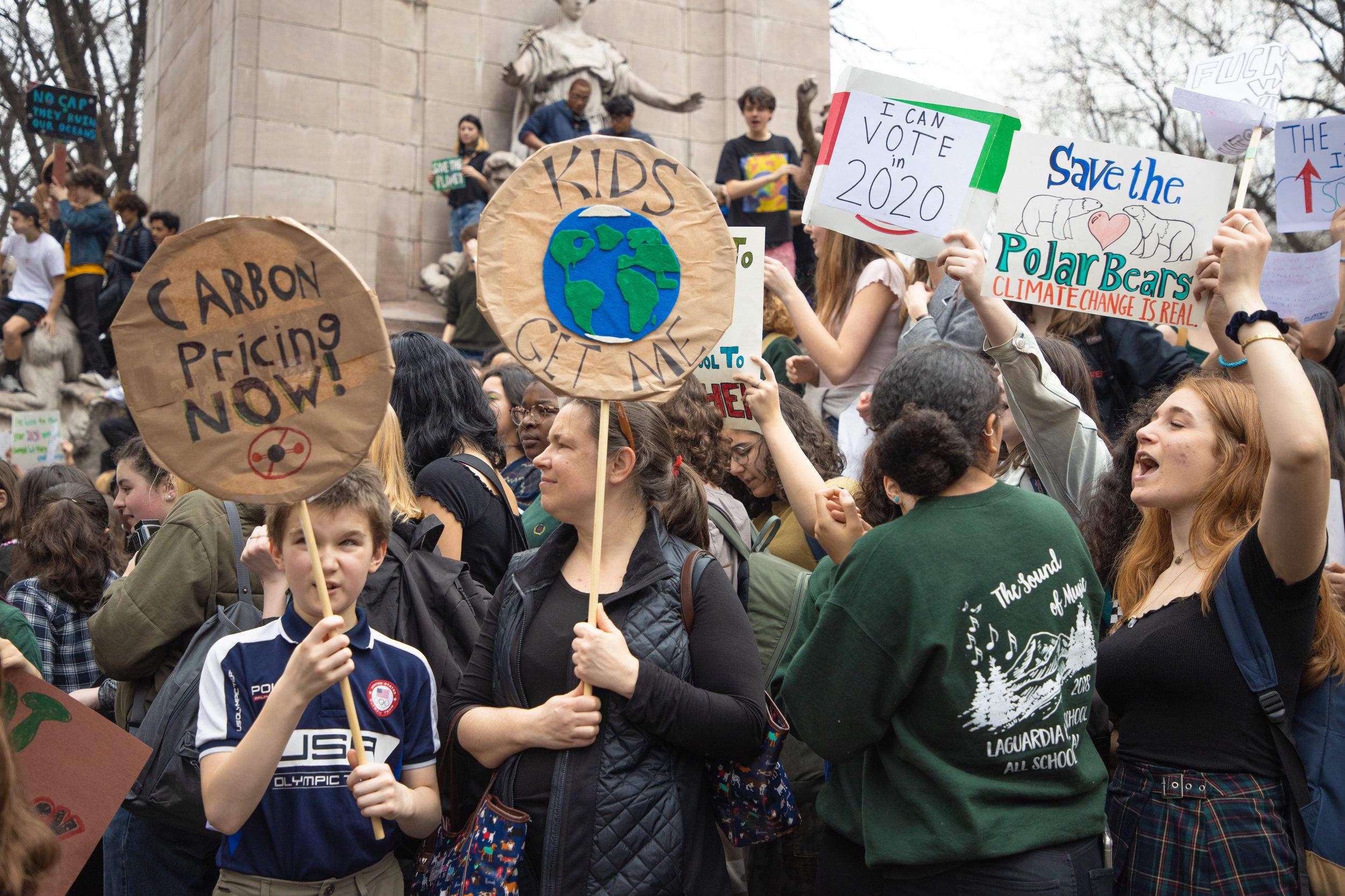 3.15.19_YouthClimateStrike_NYC_ColumbusCircle-23.jpg