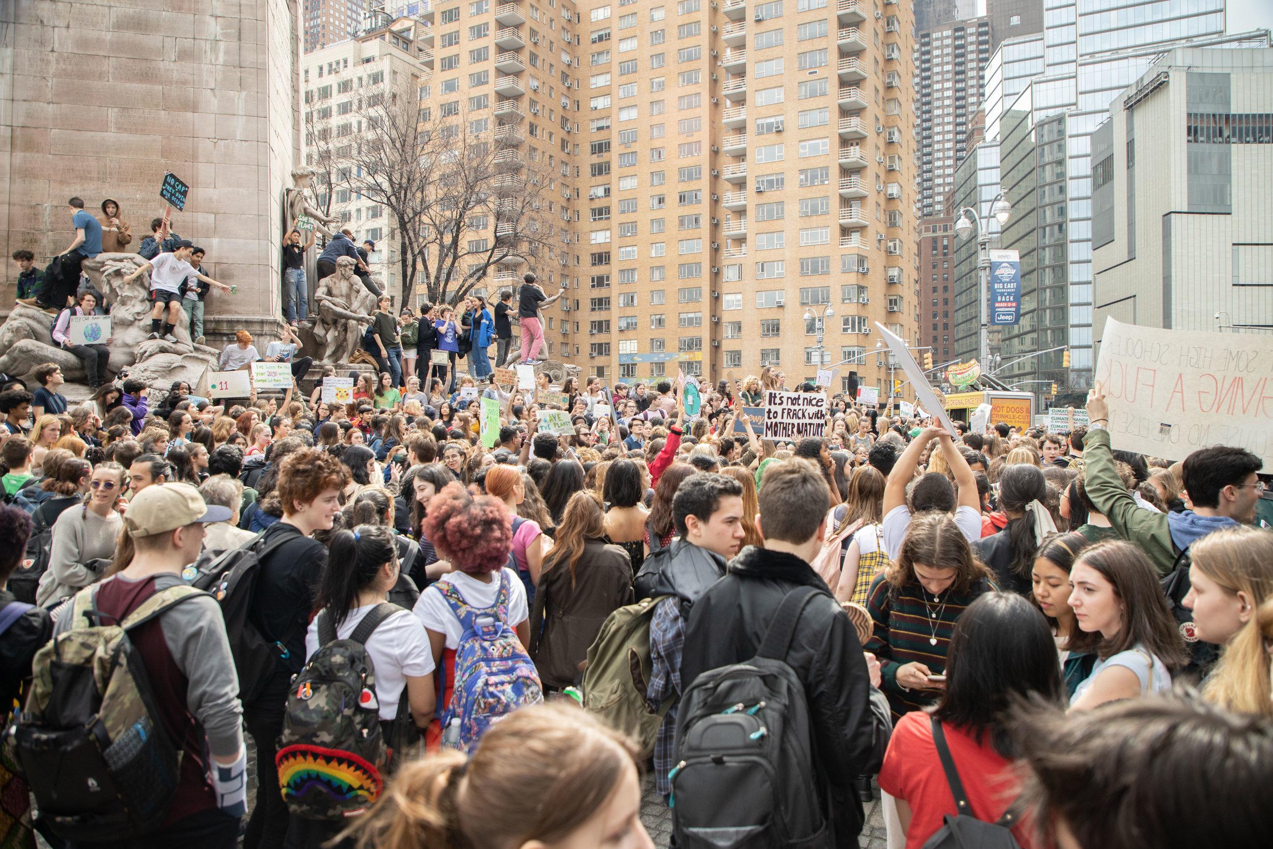 3.15.19_YouthClimateStrike_NYC_ColumbusCircle-25.jpg