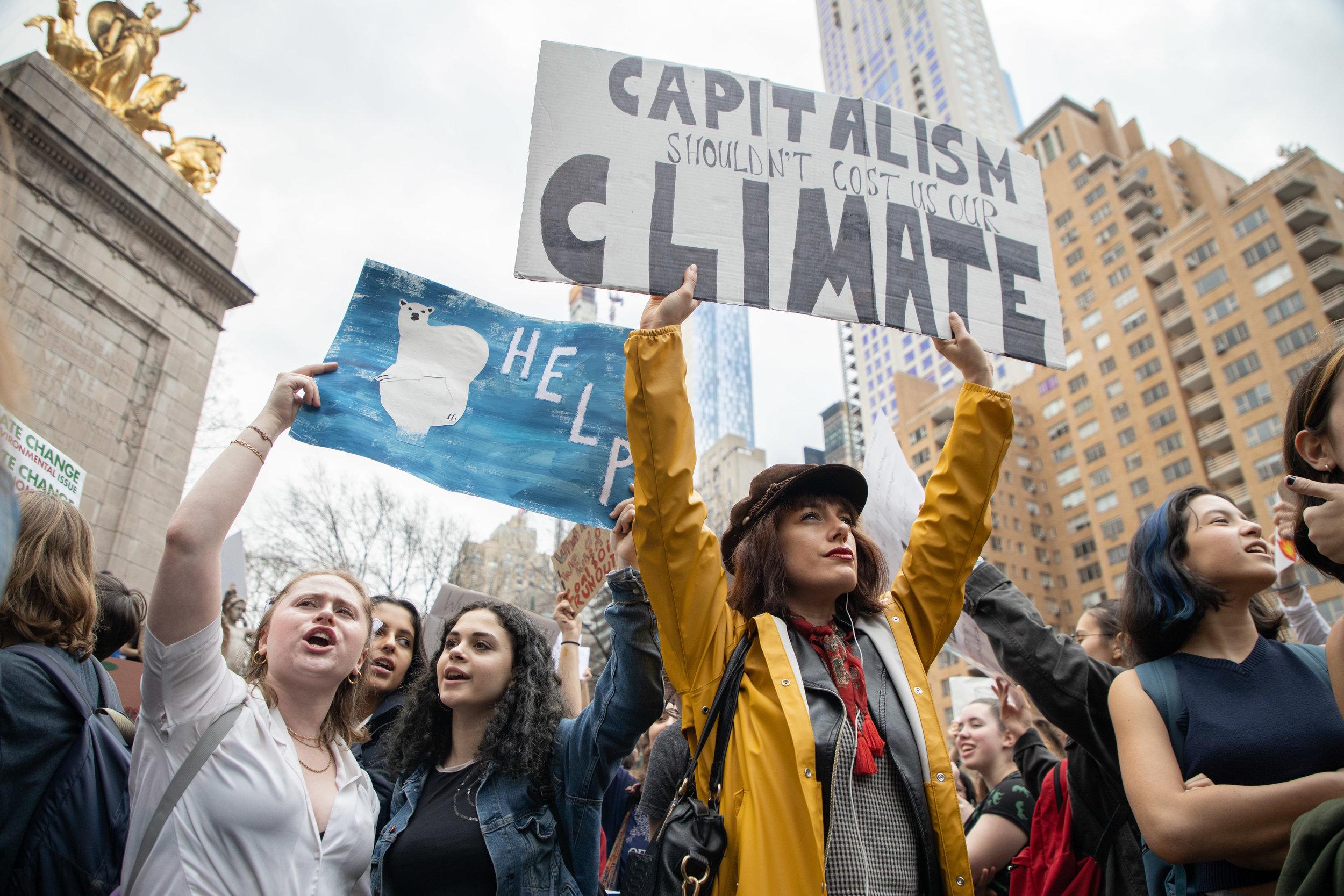 3.15.19_YouthClimateStrike_NYC_ColumbusCircle-39.jpg