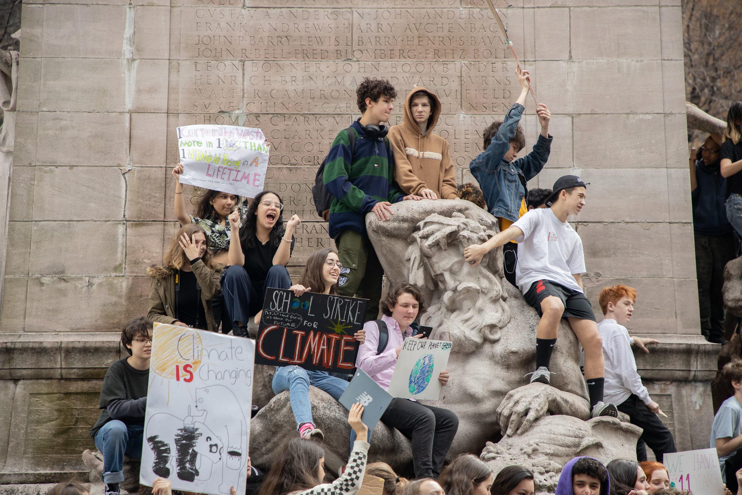 3.15.19_YouthClimateStrike_NYC_ColumbusCircle-41.jpg
