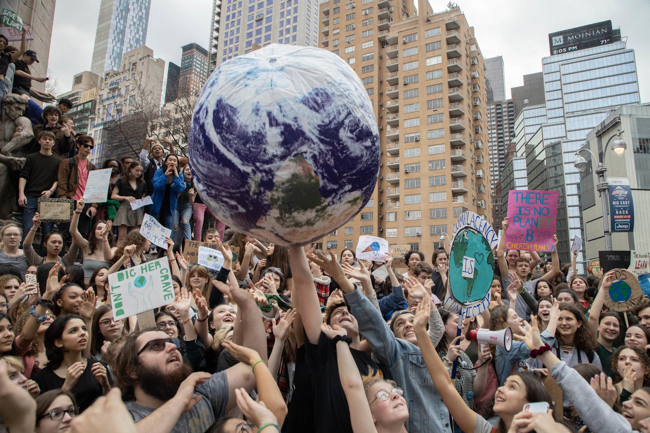 3.15.19_YouthClimateStrike_NYC_ColumbusCircle-51.jpg