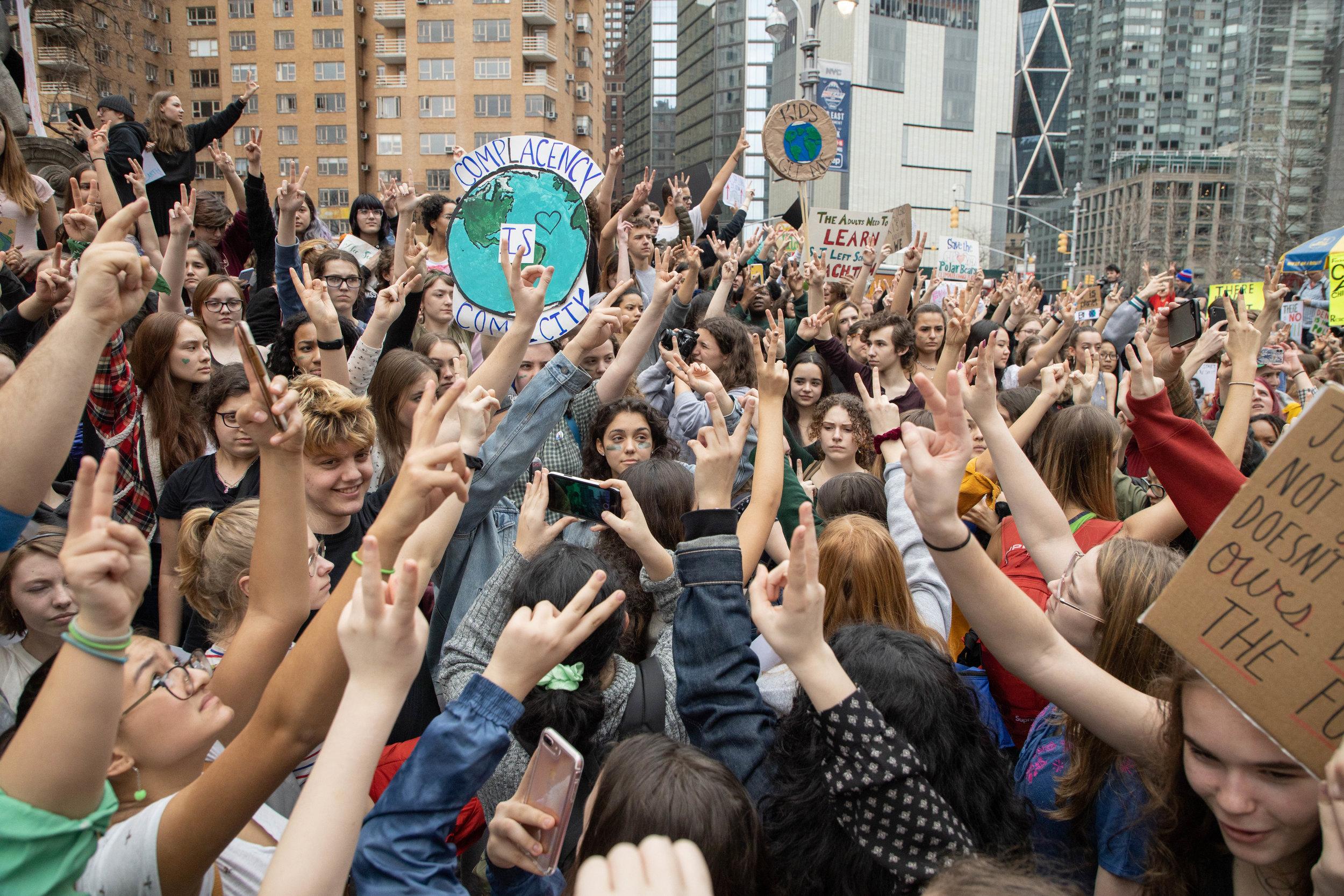 3.15.19_YouthClimateStrike_NYC_ColumbusCircle-52.jpg