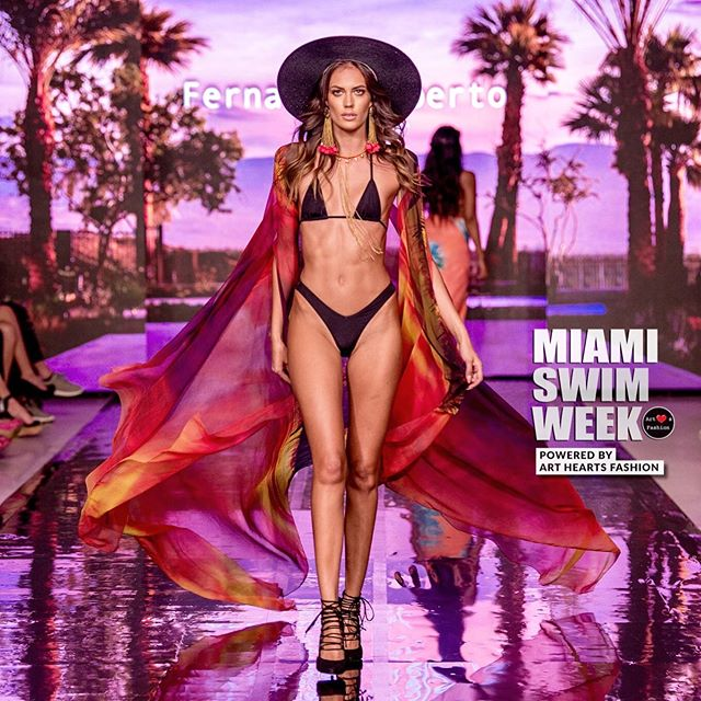 @tamaramiliceviccc walking down the runway for designer @fernandoalberto_atelier during Miami Swim Week • #miami #newyork #losangeles #fashion #fashionphotography #runwayphotography