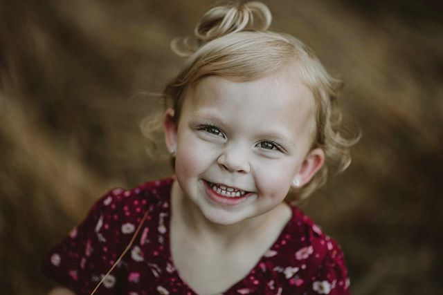 Try not to smile back. This girl was a dream to photograph. 🖤🖤🖤 #urbanoriginalphotography #rockyridge #subjectlight  #pursuitofportraits #portrait_perfection #discoverportrait #loversofthelight_ #chasinglight #portraitcollective #newbornphotography #inbeautyandchaos #tangledinfilm #portraitpage #studioportrait #moodygrams #newbornshoot #portraitmood #editorialphotography #yorkphotographer #paphotographer #lookslikefilm  #littlethingstheory #collectivetrend #hburgmade #explore717 #portraitvibeZ #filmpalatte #togetherjournal