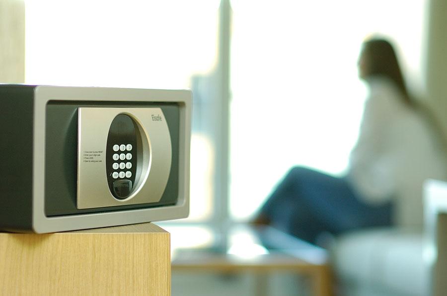 Digital_in_Livingroom_300-hires.jpg