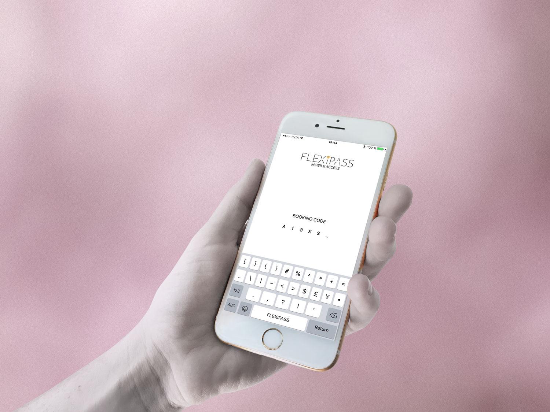 FLEXIPASS MOBILE APP:  Gäste gelangen per Smartphone direkt ins Zimmer!