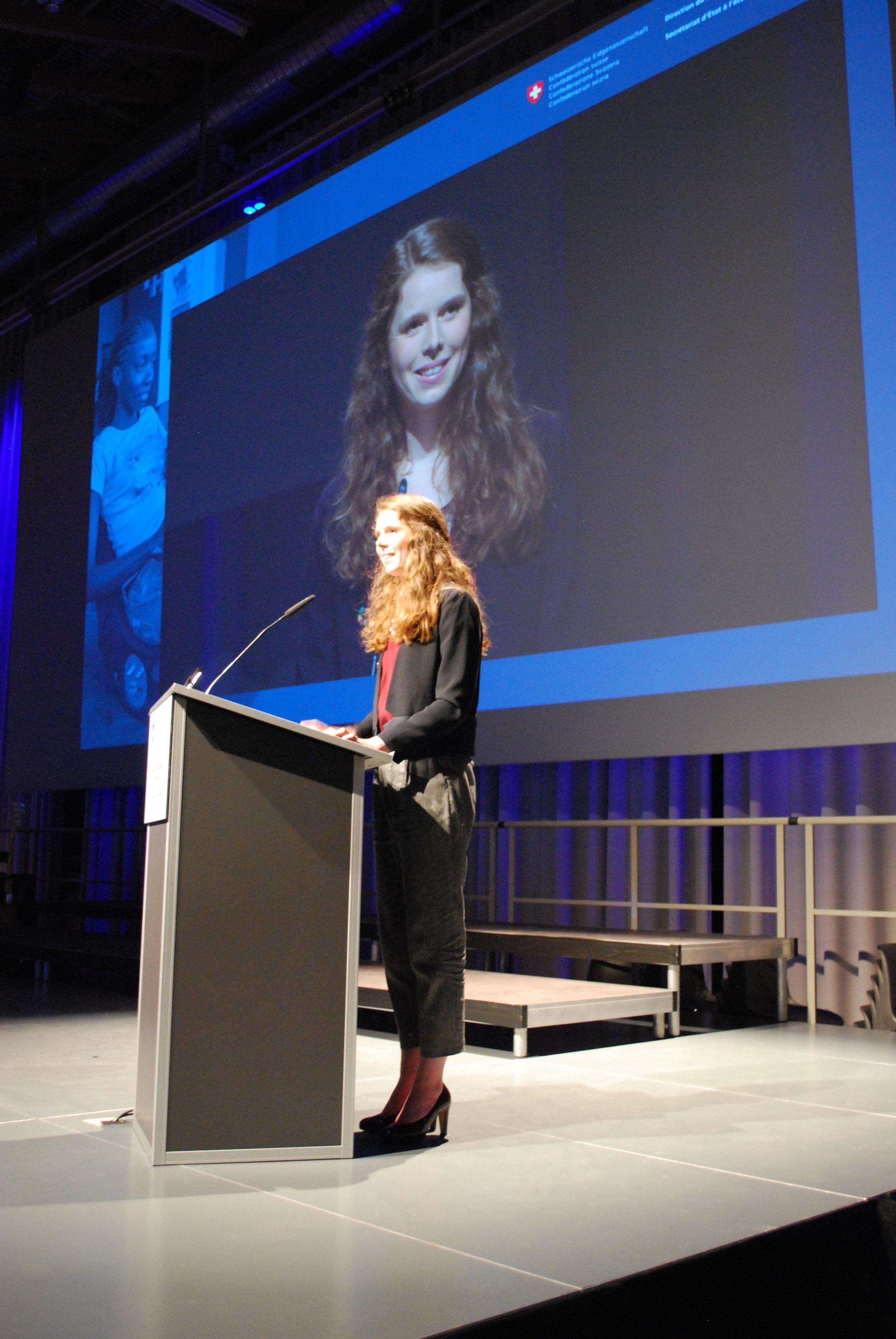 Nora Wilhelm as keynote speaker at the Jahreskonferenz of DEZA