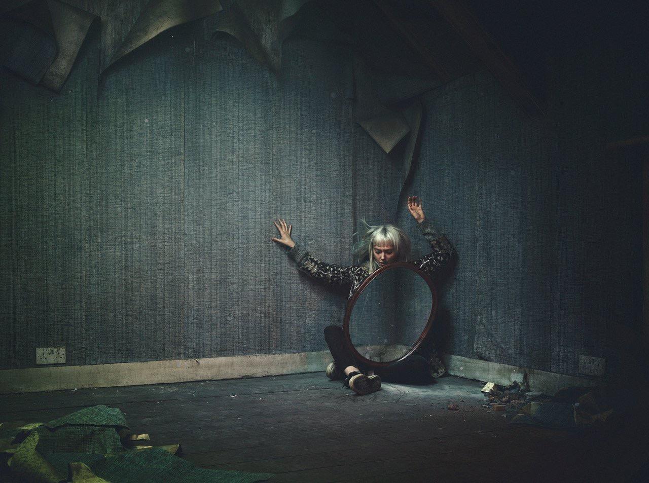 CHLOE THOMSON - REQUIEM - ECHO ARTISTS.JPG