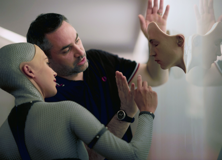 ALEX GARLAND : ALICIA VIKANDER : EX MACHINA.png