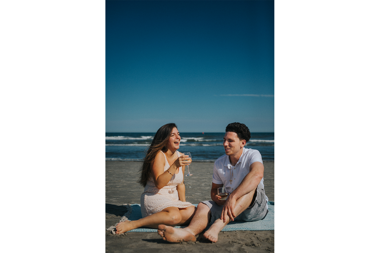 New_Jersey_Wedding_Photography_Engagement_Session_Beach_Session_Couple_002.jpg
