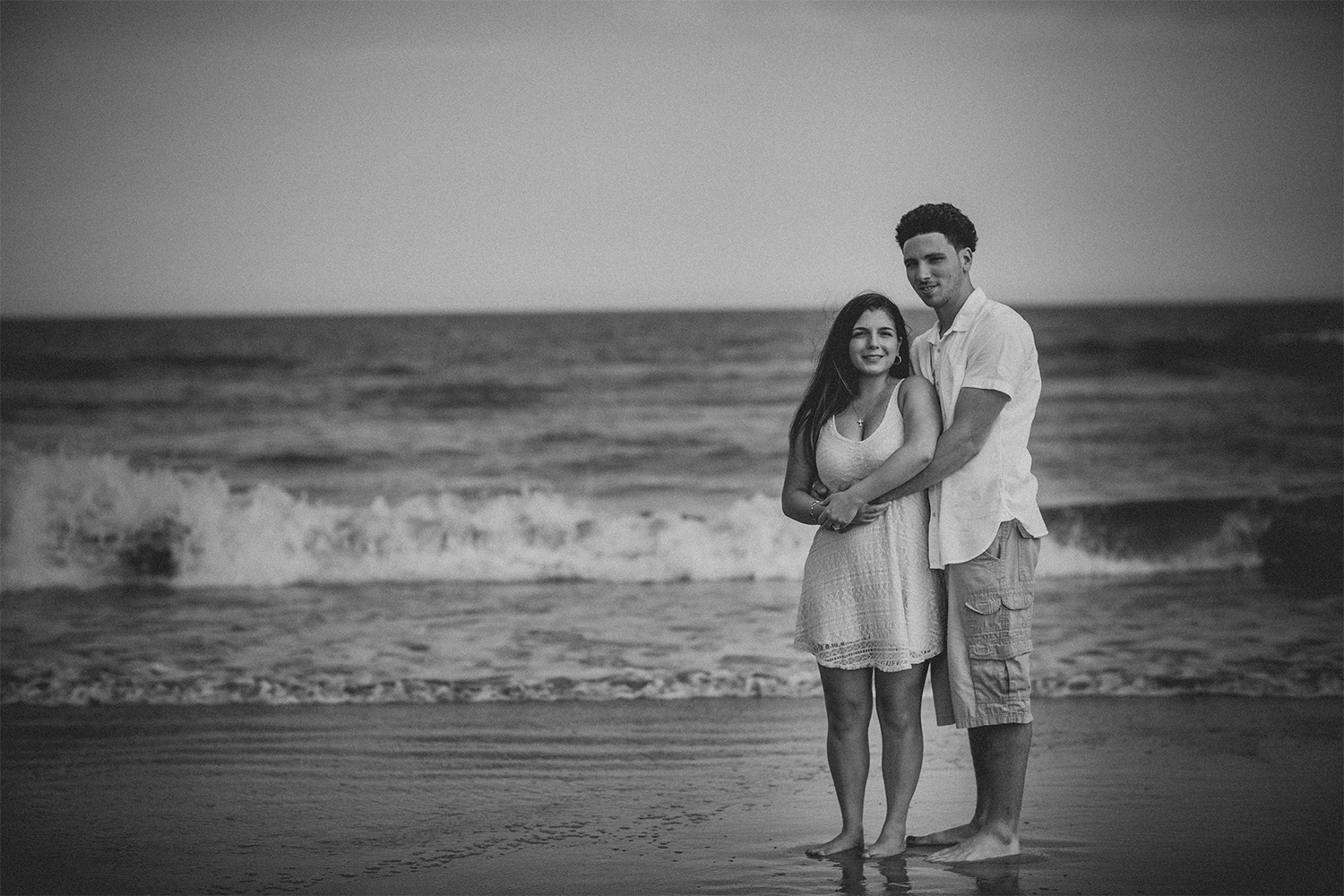 New_Jersey_Wedding_Photography_Engagement_Session_Beach_Session_Couple_018.jpg