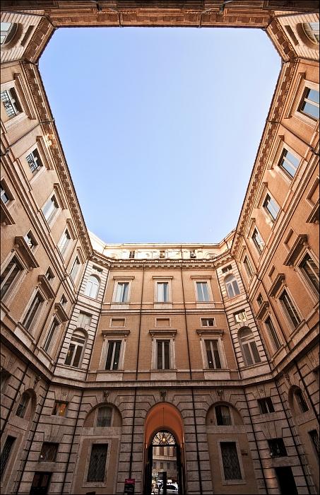 Cortile di Palazzo Braschi/Web/ZMphoto