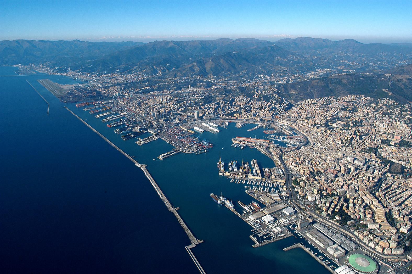 Genova vista dall'aereo.