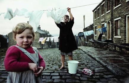 12_John Bulmer, Women hanging the laundry, for Sunday Times Magazine, Liverpool, 1965 © John Bulmer.jpg