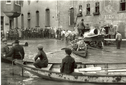 05_Oskar Barnack, Flood in Wetzlar, 1920 © Leica Camera AG.jpg