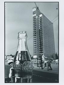 """02_Construction of a High-Rise, Düsseldorf 1959 - work cycle """"Die Deutschen"""" © René Burri.jpg"""