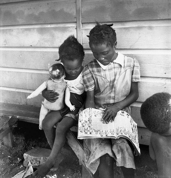 USA. Long Island. New York. Migratory Labour. Children of migrant potatoe pickers. 1951.
