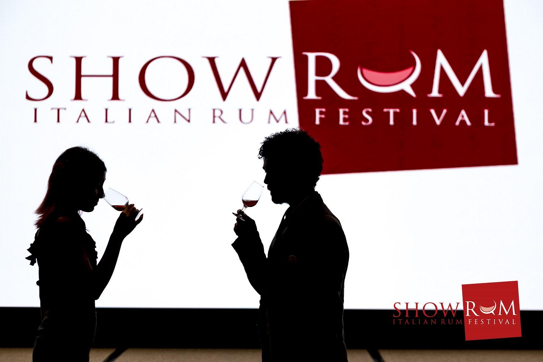 showrum 2016 silhouette (1).jpg