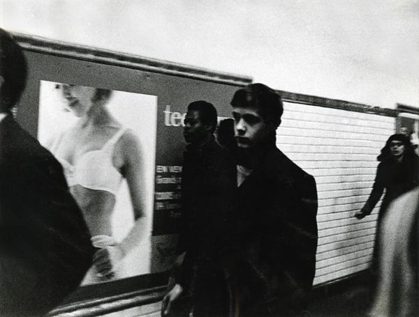 Lisetta Carmi, La Metropolitana,Parigi,1965 @Lisetta Carmi, courtesy Martini & Ronchetti_600.jpg