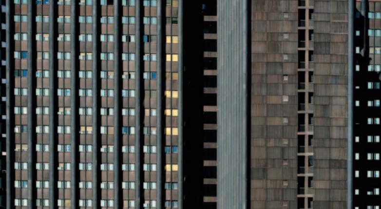 L'edifico delle Poste fotografato da D'Orta
