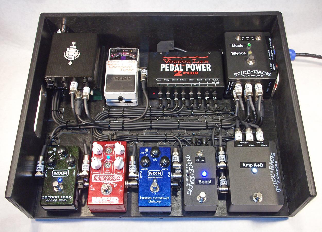 Headstones_Bass_Pedalboard_01.JPG