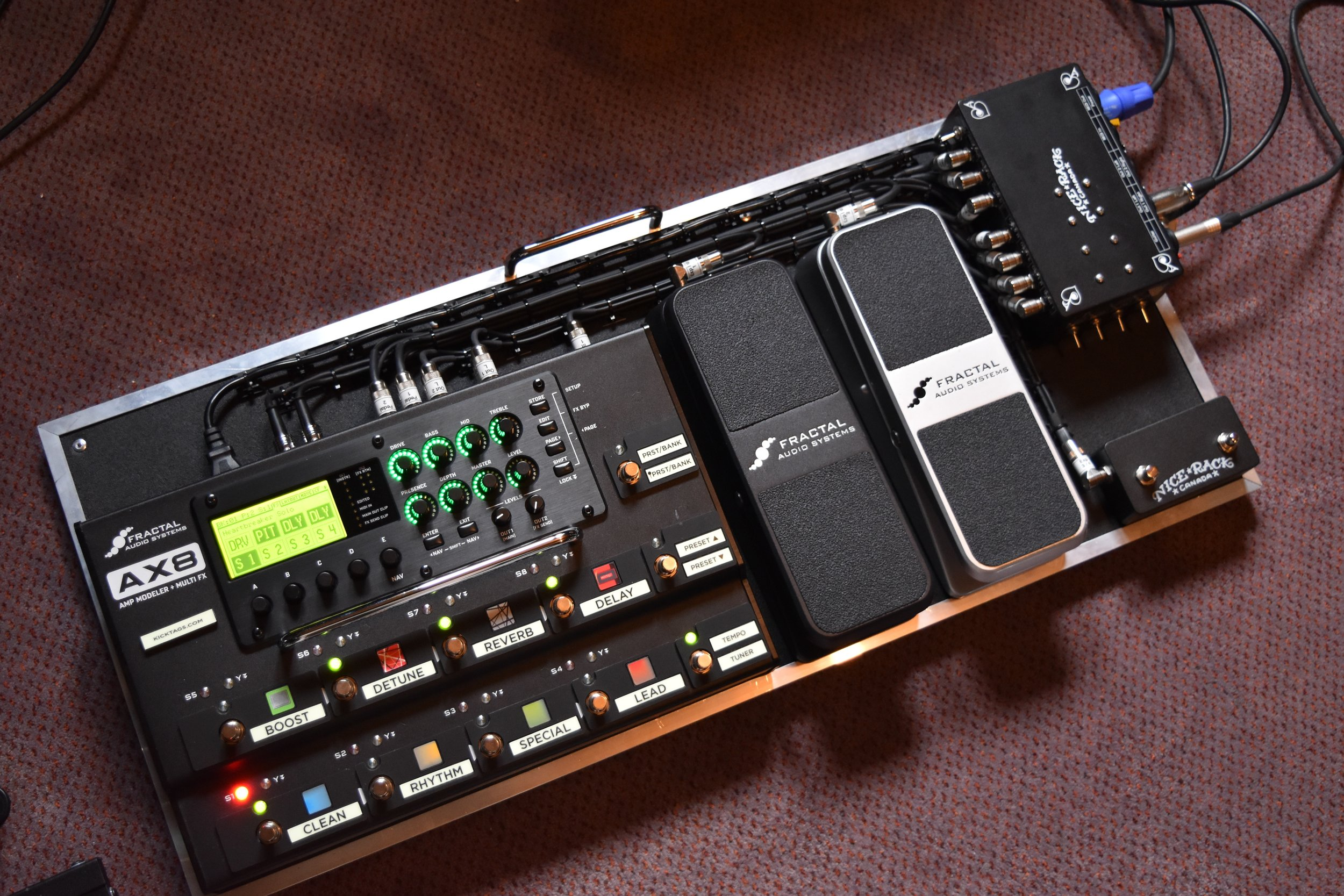 Mark Day Fractal Audio AX8 Pedalboard System 02.jpg